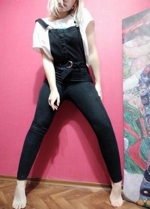 Чудесный джинсовый комбинезон