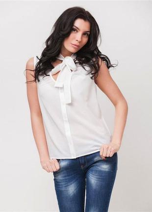 Оригинальная блузка без рукавов