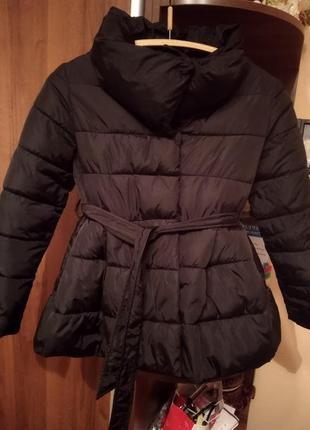 Курточка із баскою та пояском демосезон