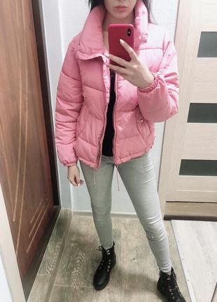 Розовая куртка на весну