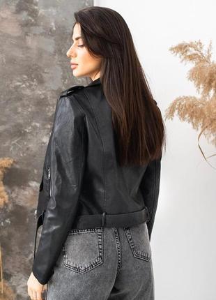 Куртка косуха из экокожи с ремнем черная косуха жіноча косуха чорна куртка косуха3 фото