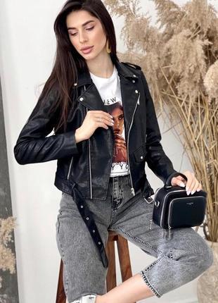 Куртка косуха из экокожи с ремнем черная косуха жіноча косуха чорна куртка косуха