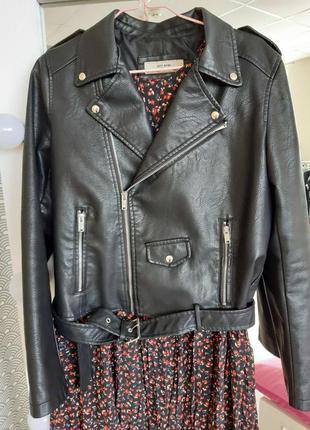 Куртка косуха из экокожи с ремнем черная косуха жіноча косуха чорна куртка косуха6 фото