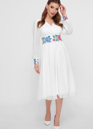 Роскошная модель платья