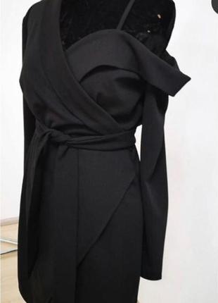 Платье-пиджак, плаття-жакет з відкритим плечем
