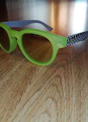 Солнечные очки стильные