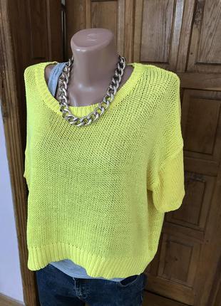 Желтый укорочённый свитер