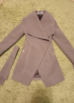 Продам пальто весна осень