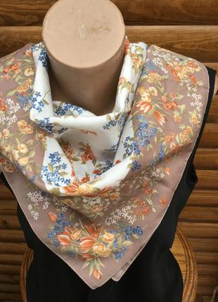 Платок на шею, шарф