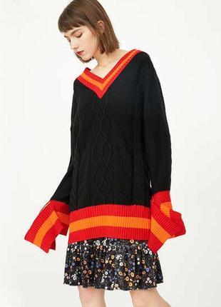 Необычный оверсайз свитер с вязанными узорами и удлиненными рукавами only