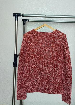 Милый красный свитер с люрексовой ниткой