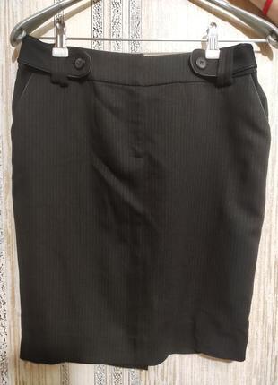 Чёрная юбка-карандаш