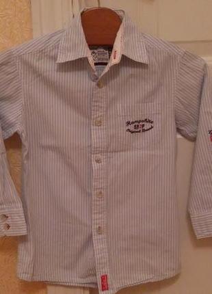 Cтильная рубашка для мальчика 116 размера.