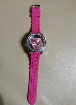Оригінальний жіночий фірмовий годинник