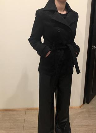 Актуальное пальто  короткое с поясом