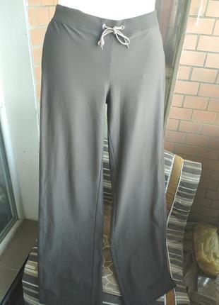 Классные эластиковые спортивные штаны 52 укр.размера фирмы esprit