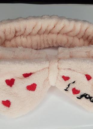 Плюшевая нежно-розовая повязка бантик в сердечках