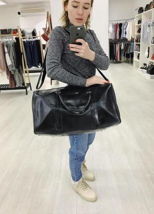 Стильная дорожная сумка черная1 фото
