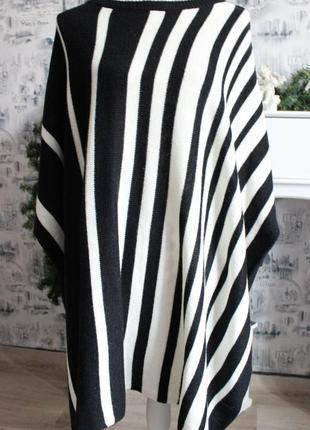 Черно - белый вязаный свитер пончо от rainbow3 фото