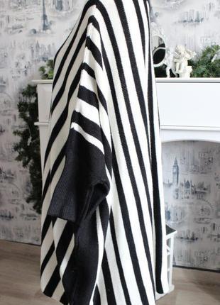 Черно - белый вязаный свитер пончо от rainbow7 фото