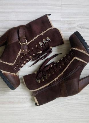 Утепленные сапоги на шнуровке