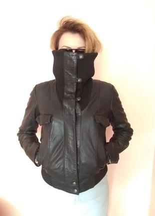 Актуальна шкіряна куртка-бомбер kookai (франція), р. s