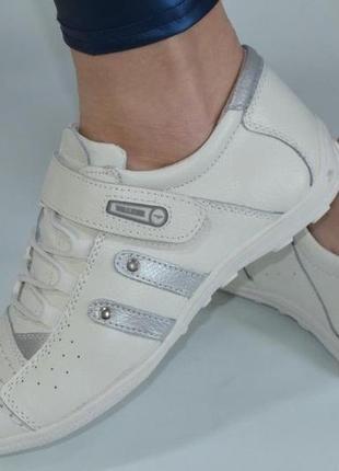 Натуральная кожа везде спортивные кроссовки