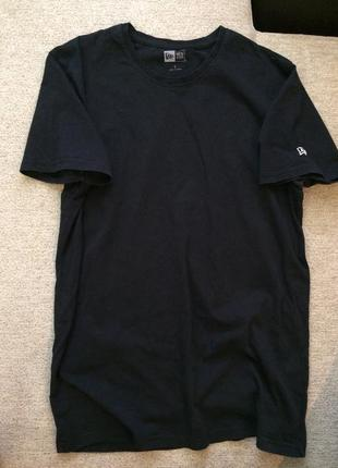 Чоловіча чорна футболка