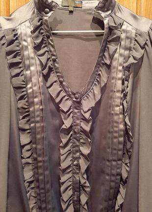 Красивая блуза перед и спинка атлас, рукава и рюши шифон
