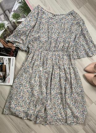 Платье на резинке цветочный принт