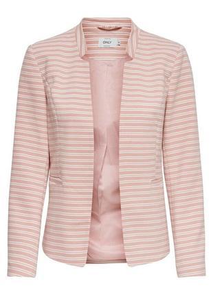 Двубортный блейзер укороченный пиджак в полоску