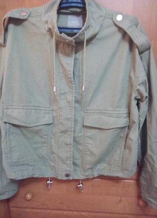 Качественная куртка, ветровка