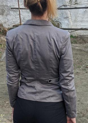 Классический строгий жакет пиджак на пуговице с длинными рукавами3 фото