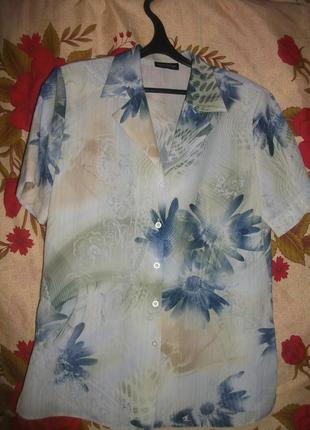 Рубашка в цветы с коротким рукавом