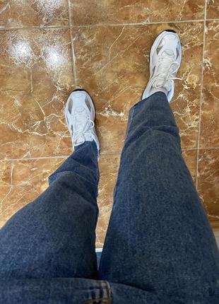 Mom jeans  джинсы с потертостями