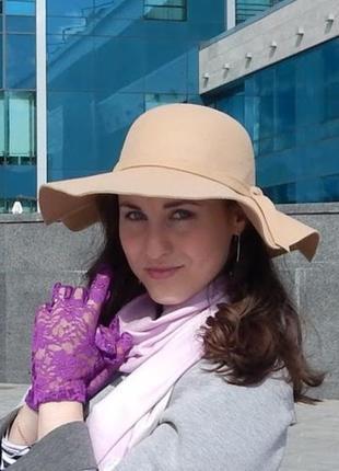 Шляпа бежевая