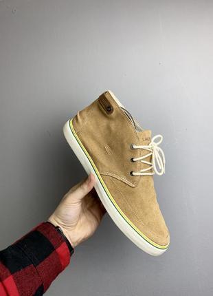 Шикарные легкие ботинки lacoste