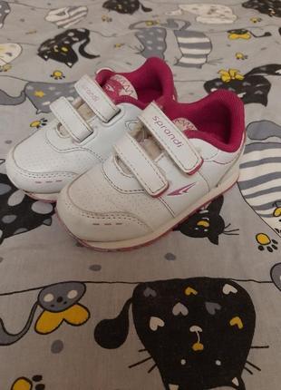Кросівки на дівчинку 23 розмір