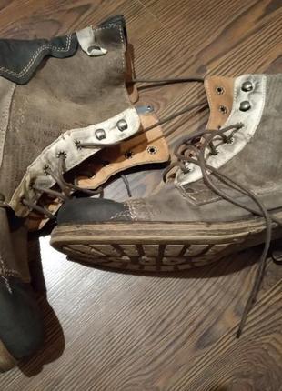 Классные демисезонные ботинки charme routard italy из натуральной кожи в стиле милитари.