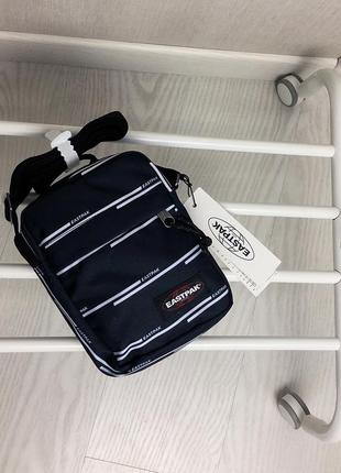 Сумка/барсетка/мессенджер eastpak the one chatty lines unisex