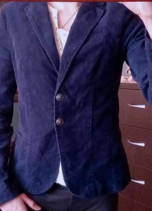 Синий вельветовый пиджак на подкладке