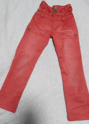 Кораловые джинсы на девочку