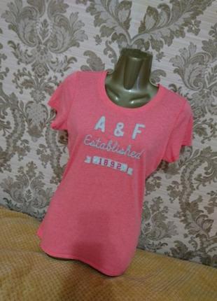 Женская футболка .