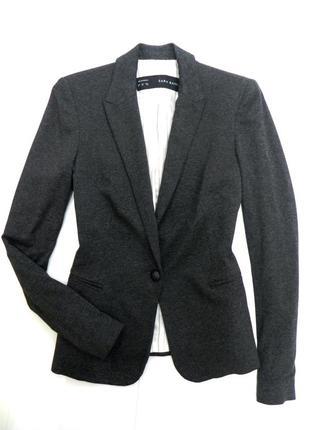 Стильный серый пиджак с-м