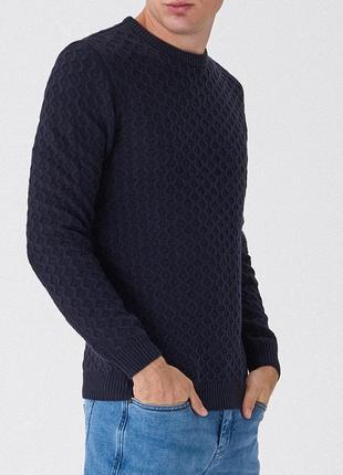 Модный свитер пуловер