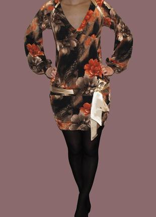 Нарядное платье в цветочном принте