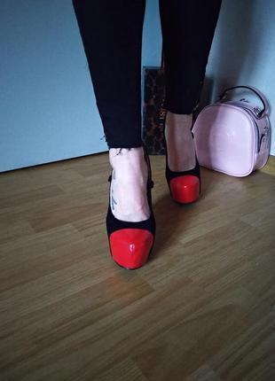 Супер туфли женские на высоком каблуке р36