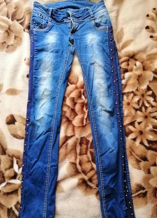 Продам джинсы размер м