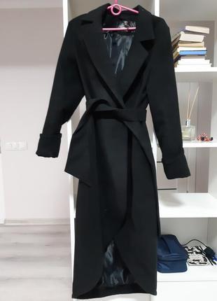 Кашемировое пальто интересного кроя
