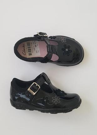 Туфли кожаные лаковые  clarks с мигалками 20.5 размер